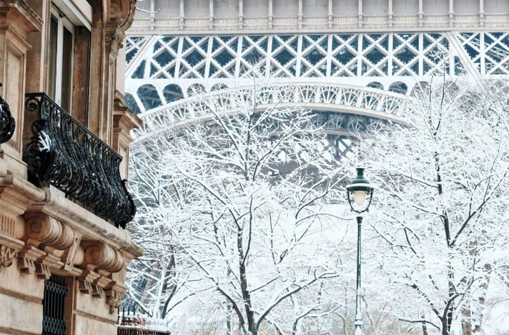 Paris sous la neige : La capitale vêtue de blanc